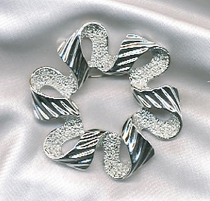 RIBBONETTE Pin - Silvertone