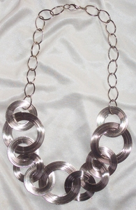 Bright Silvertone Wire Circles Necklace