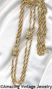 FOUR SEASONS Necklace - Goldtone
