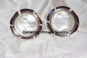 COLOR FRAME Earrings - Silvertone