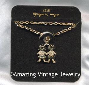 ANN 'N ANDY Necklace