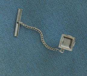 ON THE SQUARE Tie Tac Silvertone