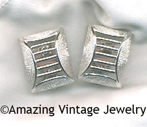 TAILORED CLASSIC Earrings