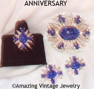 ANNIVERSARY Set - 1973 - Pin available