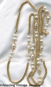 CAGED PEARL Necklace Goldtone