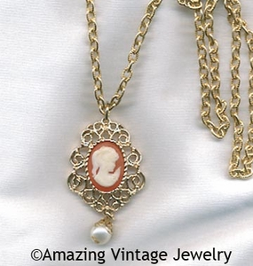 CAMEO FASHION Necklace