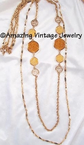 TASTE OF HONEY Necklace Set