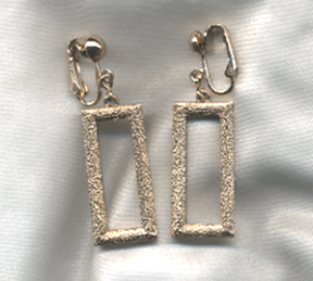 TEXTURE LINKS Earrings - Clip
