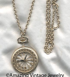 ON TIME Necklace