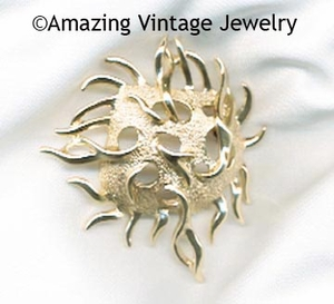 SEA URCHIN Pin - Goldtone