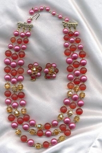 Pink/Red Bead Necklace/ER
