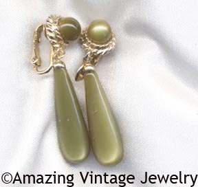 GOLDEN AVOCADO Earrings