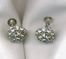 Silvertone Earrings w/clear RS