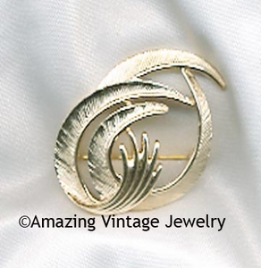 FLAIR Pin - Goldtone