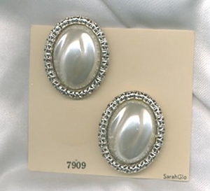 CHAIN O' FASHION Earrings - Silvertone