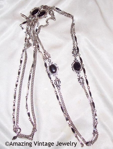 TOUCH OF CLASS Necklace Set