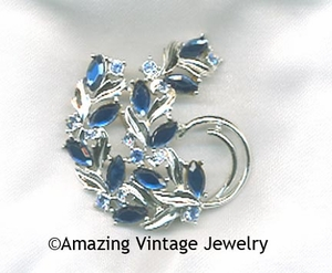 BLUE CHAMPAGNE Pin