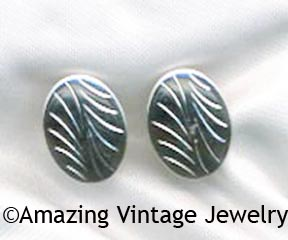 WAYSIDE Earrings - Silvertone