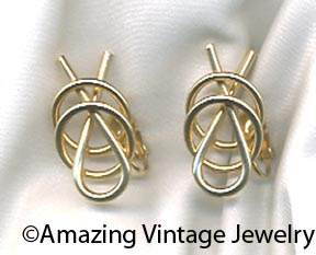 MODERN TWIST Earrings