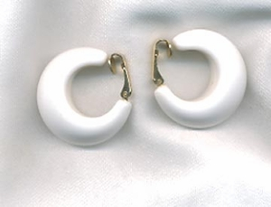 WHITE MAGIC Earrings Clip