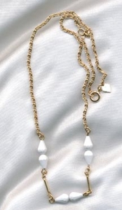 WHITE 'N BRIGHT Necklace