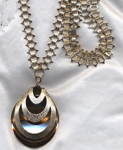 GODDESS OF FASHION Necklace