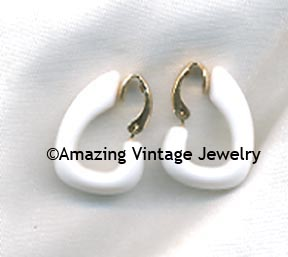 WHITE TEMPO Earrings