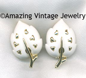 WHITE VELVET Earrings