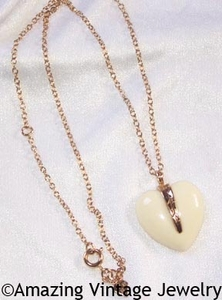 ENDEARING Necklace