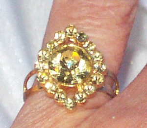 Pale Yellow Rhinestone Ring