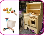 PRETEND PLAY - KITCHEN & MORE