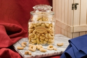 Giant cashews (20oz Decanter)