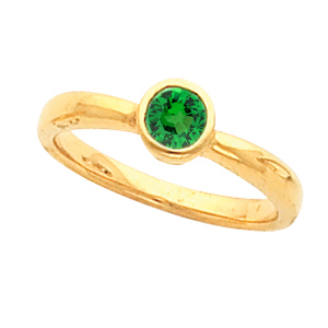 Demure Slim Bezel Set 0.65 carat 5mm Tsavorite Garnet Gemstone Fashion Ring for SALE