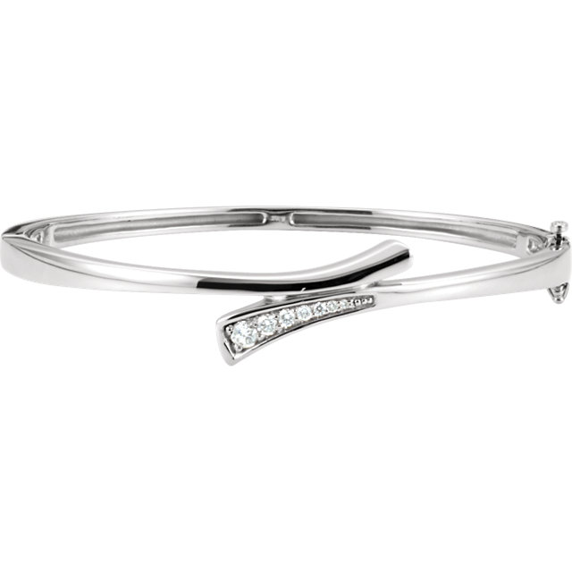 14K White 1/4 CTW Diamond Bangle Bracelet