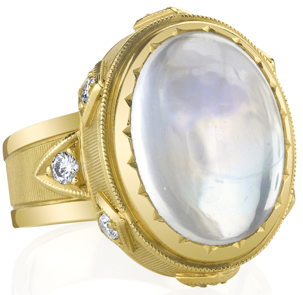Fine 18kt Yellow Gold Handmade 8.64ct Oval Moonstone Ring - 0.08ctw Diamond Accents