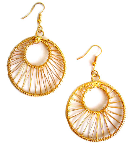 Fashion Bliss Gold Wire Round Earrings