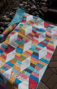 Hugs and Kisses Quilt Pattern by Julie Herman for Jaybird Quilts SKU# JBQ106