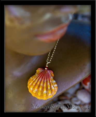 Classic Pink & Gold Hawaiian Sunrise Shell Gold Chain Necklace