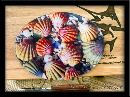 MonicaByTheShore Sunrsie Shell Textured Glass Cutting Board