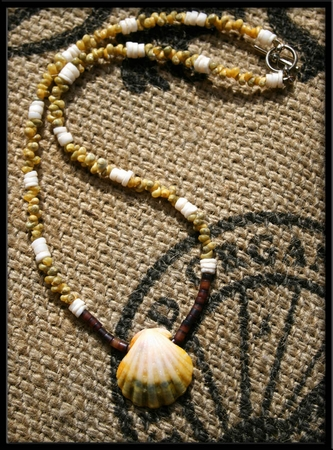 Green White Yellow Sunrise Shell Necklace