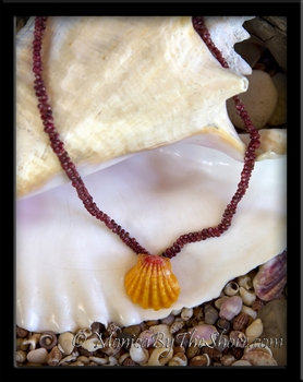 Perfect Classic Hawaiian Sunrise Shell & Burgundy Kahelelani Shells Lei Necklace