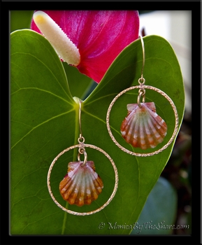 Pink Orange Sunrise Shells & Gold Textured Hoops Earrings