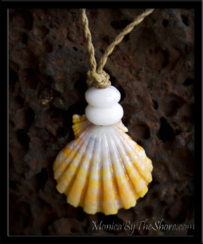 Creamy Mango Keep da Country Country Hawaiian Sunrise & Puka Shells Necklace