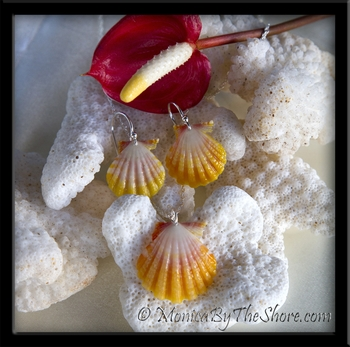 Sunrise Shells Necklace & Earrings 3 Piece Set in Silver