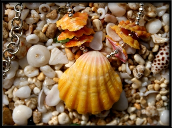 Yellow Paw Sunrise Shell & Chips Necklace