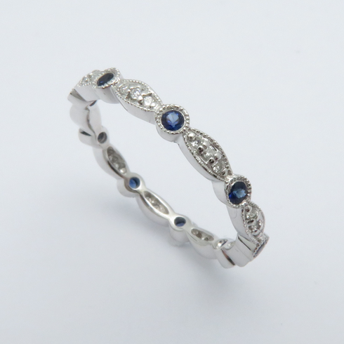 14K WHITE GOLD DIAMOND AND BLUE SAPPHIRE ETERNITY BAND RING SIZE 6