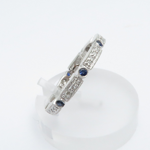 14K WHITE GOLD DIAMOND AND BLUE SAPPHIRE ETERNITY BAND RING SIZE 7