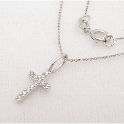 14K WHITE GOLD SMALL DIAMOND CROSS NECKLACE.  VS2-SI1 .05CT