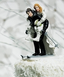 Winter Skiing Wedding Couple Figurine