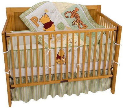 Disney P is for Pooh 4-Piece Crib Bedding Set by Kidsline